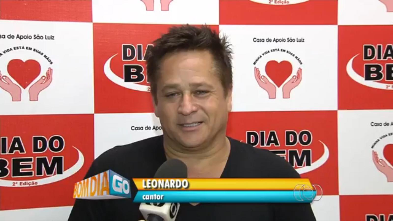 SHOW DO LEONARDO em dia do bem /GO 17/12/2014