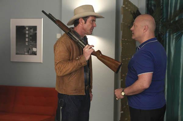 Dennis Quaid (Sheriff Ralph Lamb), Michael Chiklis (Vincent Savino)