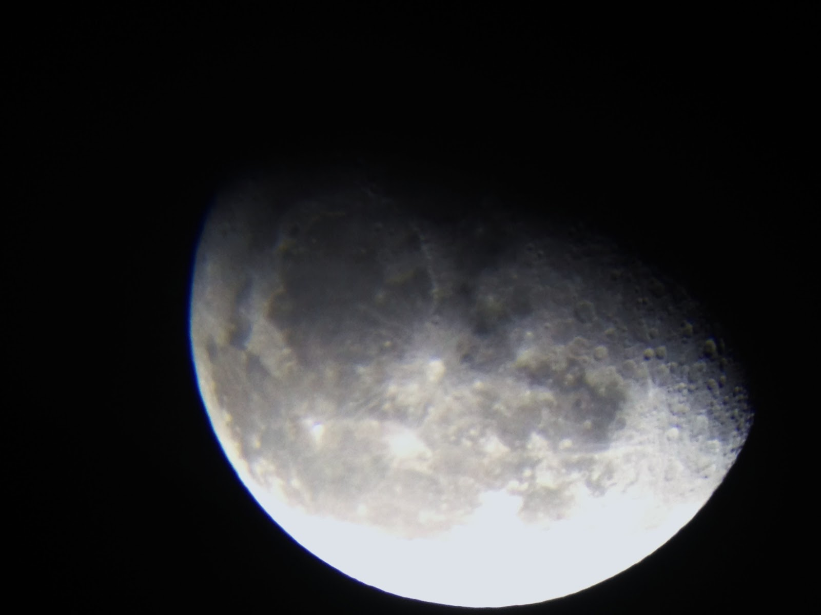 Telescope Skywatch: How to take Moon pictures through telescope using ...