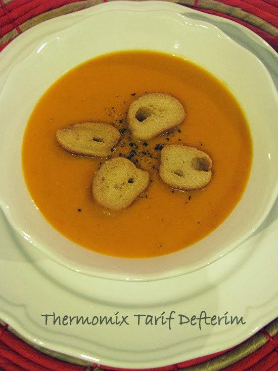 Thermomix ile Kremalı Domates Çorbası tarifi