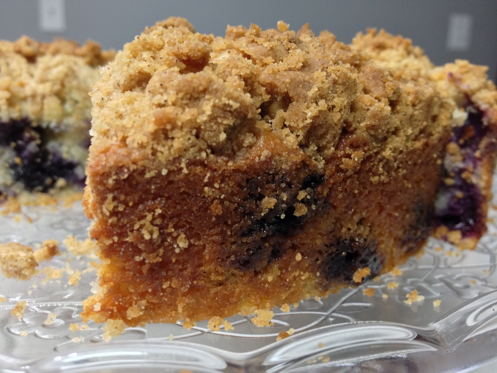 spoonful of sugar...: Old Fashioned Blueberry Crumb Cake