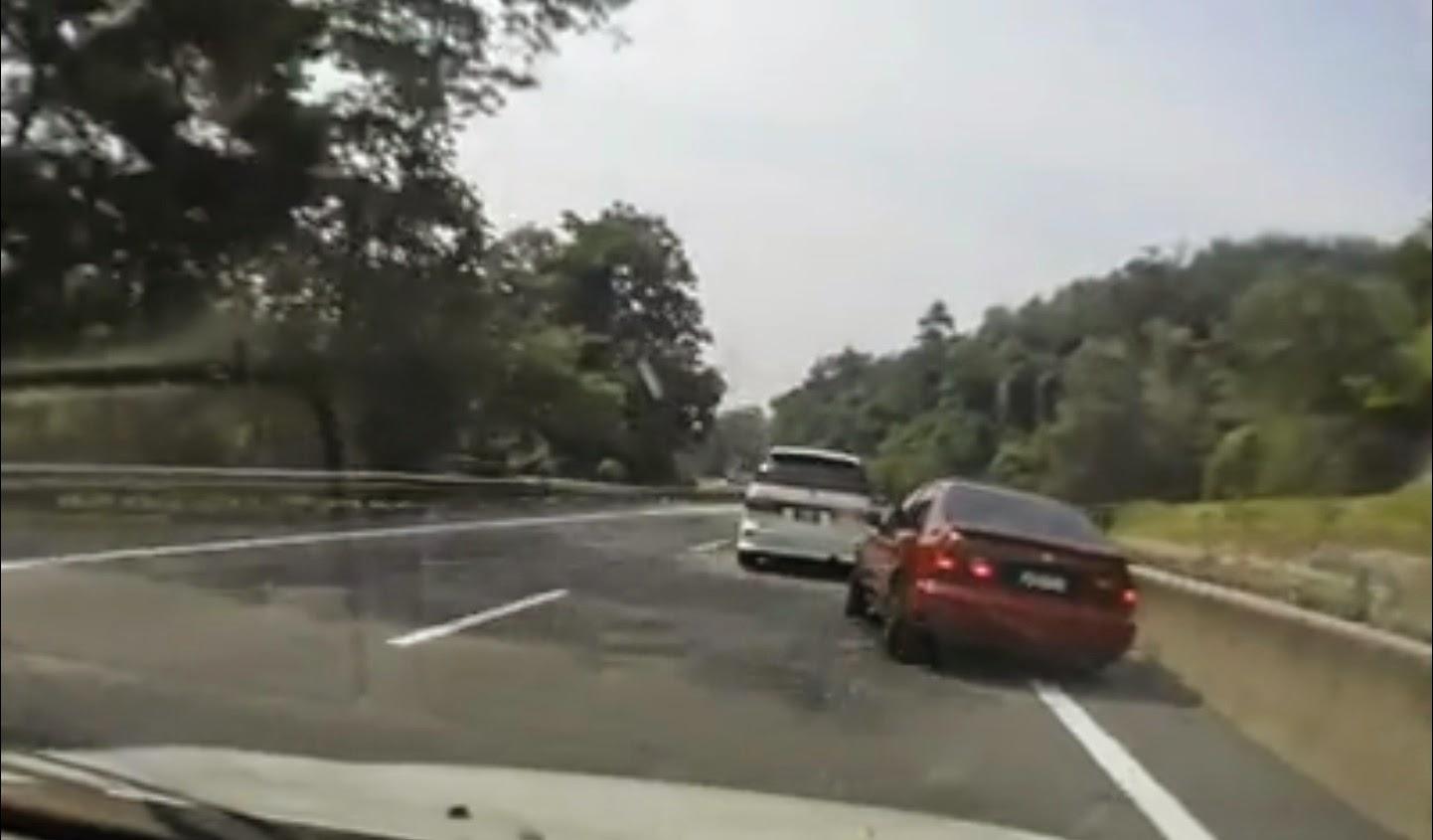 (Video) Honda Civic Ferio Hampir Kemalangan Dengan Lori