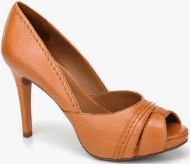 scarpin peep toes de couro Arezzo verao