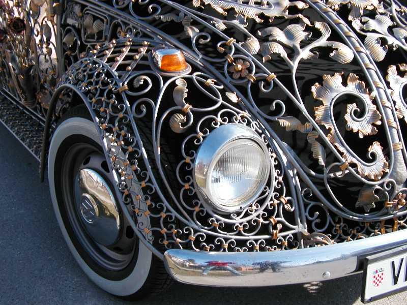 Ursula Jewelry : Car for wire work artist