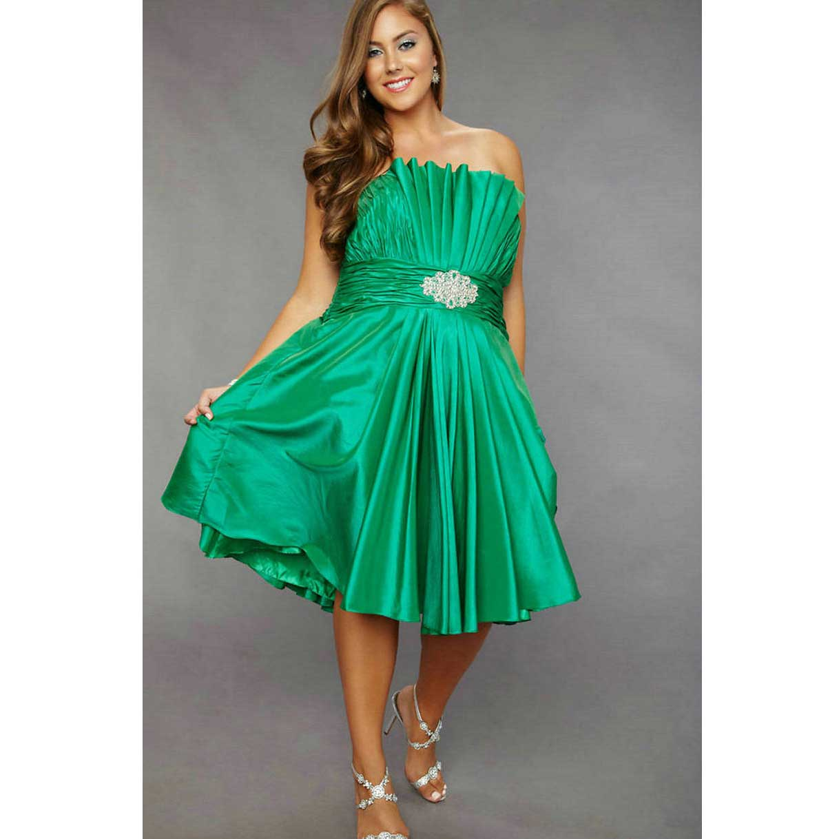 Messy looking styles are demanding in 2011: Plus size formal dresses ...