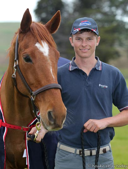 Luke Dee, Omahu, Hastings, with Ombudsman, showjumper off to Australian competition photograph