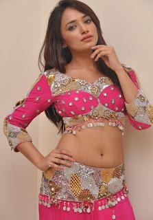 Actress Ziya 1.jpg