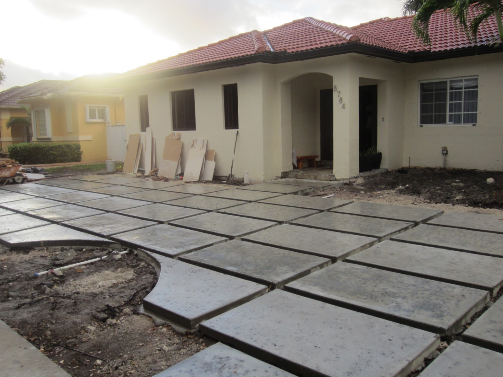 The Cuban In My Coffee: Modern Concrete Driveway Update, Grass Or ...