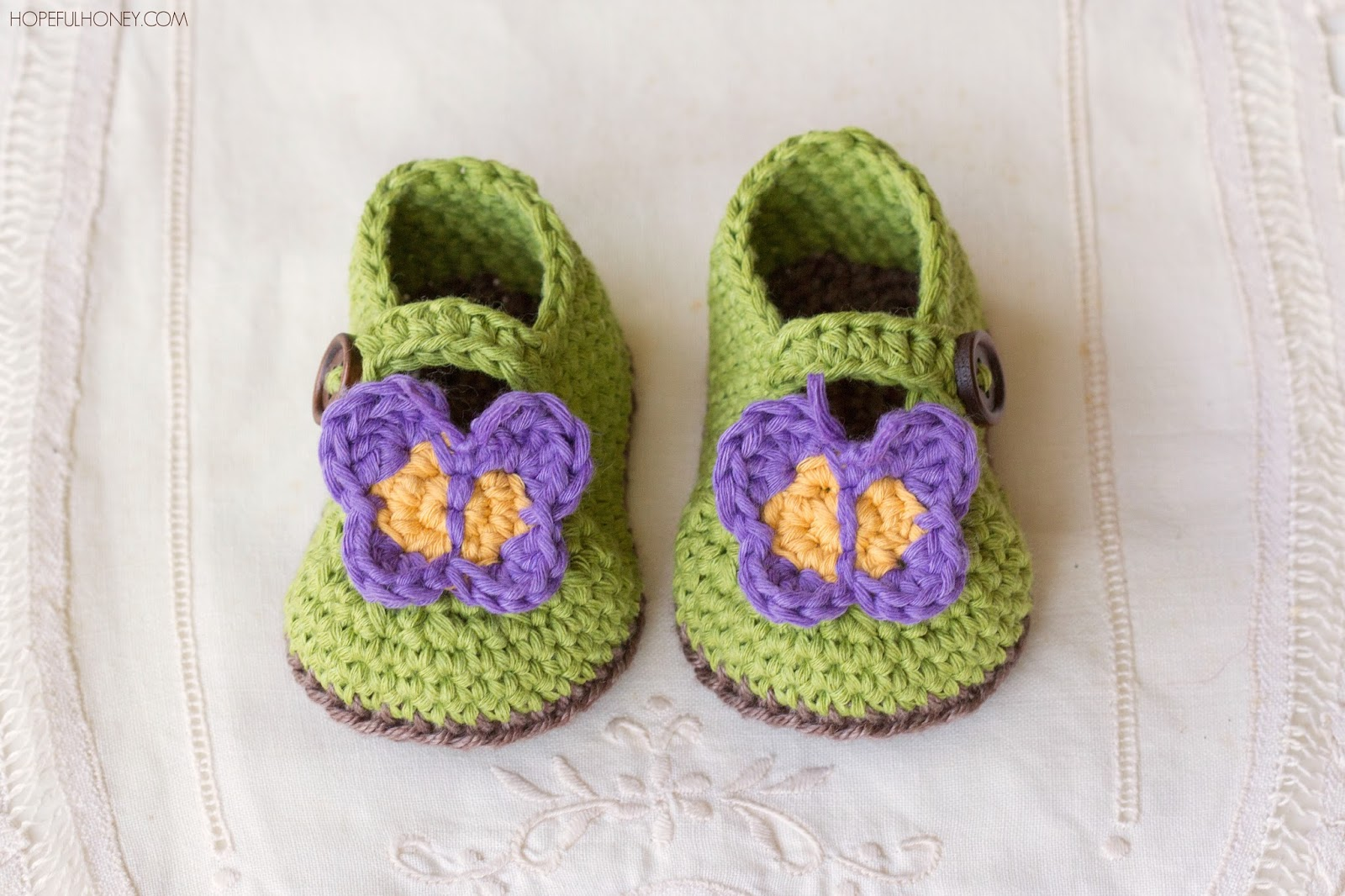 Loops Design Baby Booties Crochet Pattern Baby First Walker Shoes ...