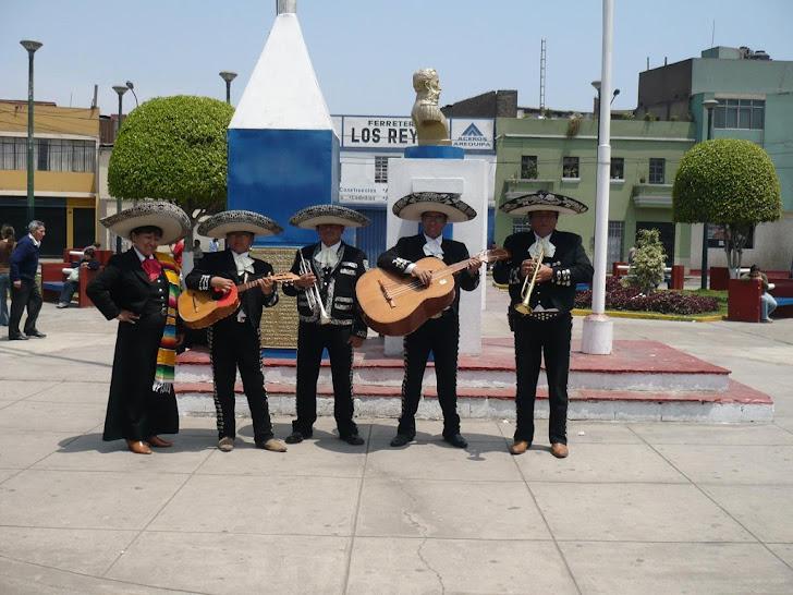 Mariachi Nuevo Jalisco de César Rivera - Telfs. 5681512 -  7317601 - 989993475
