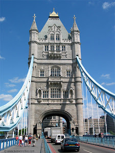 TOWER BRIDGE -LONDON