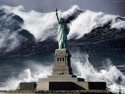 tsunami imensa, tidal wave, paredão de água, onda destruidora