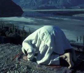 Qadha (penggantian) Sholat yang ketinggalan dan Hadist yang berkaitan dengannya