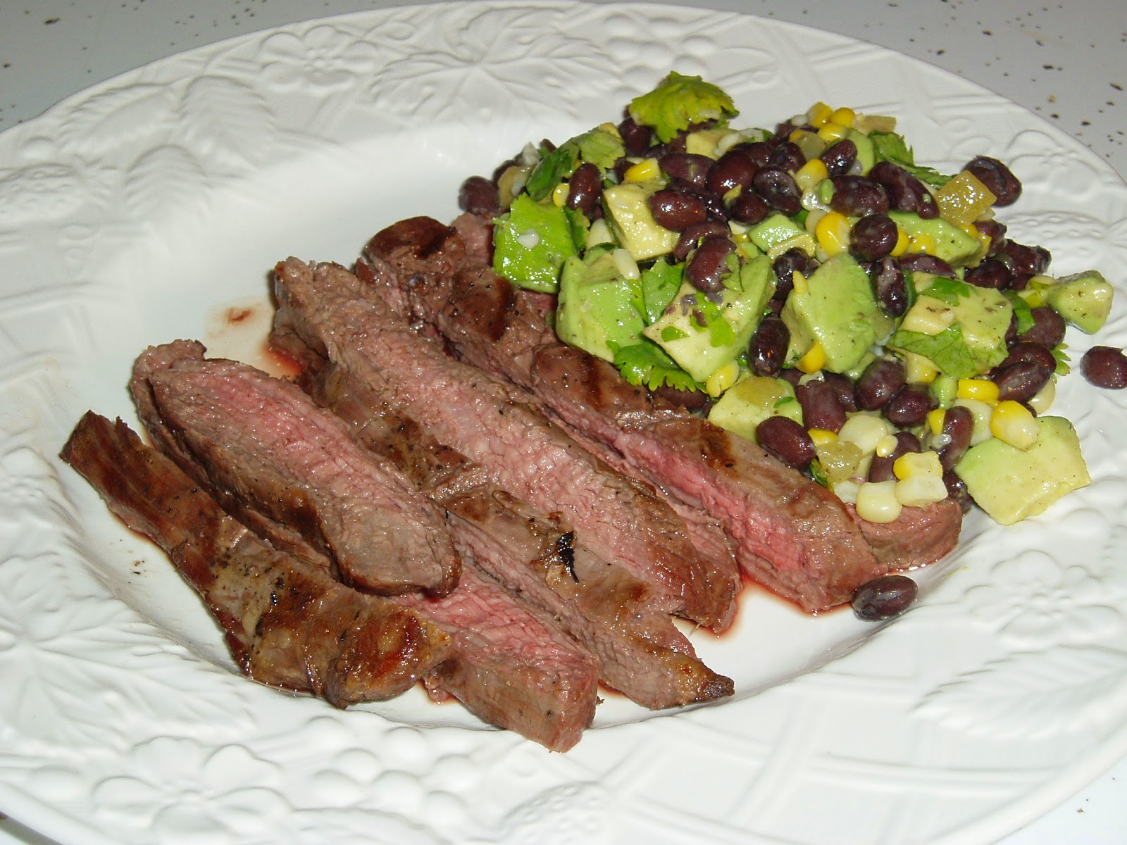 flank steak grilled flank steak with avocado tomato salad grilled ...