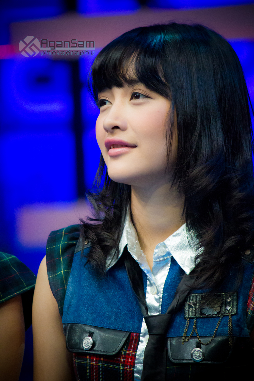 JKT48: DEVI KINAL PUTRI JKT48 GALLERY PHOTO