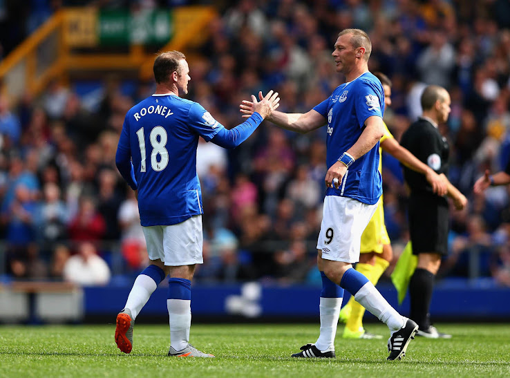 Wayne Rooney Everton Rooney x Everton Wayne Rooney Dons Everton Kit For Legend s