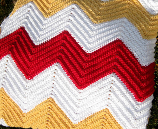 Crochet Stitches Chevron : If you know how to single crochet, then you can make this blanket ...