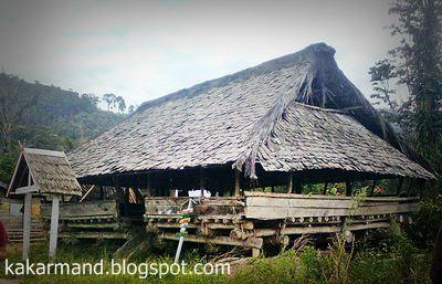 arsitektur tradisional sulawesi tengah