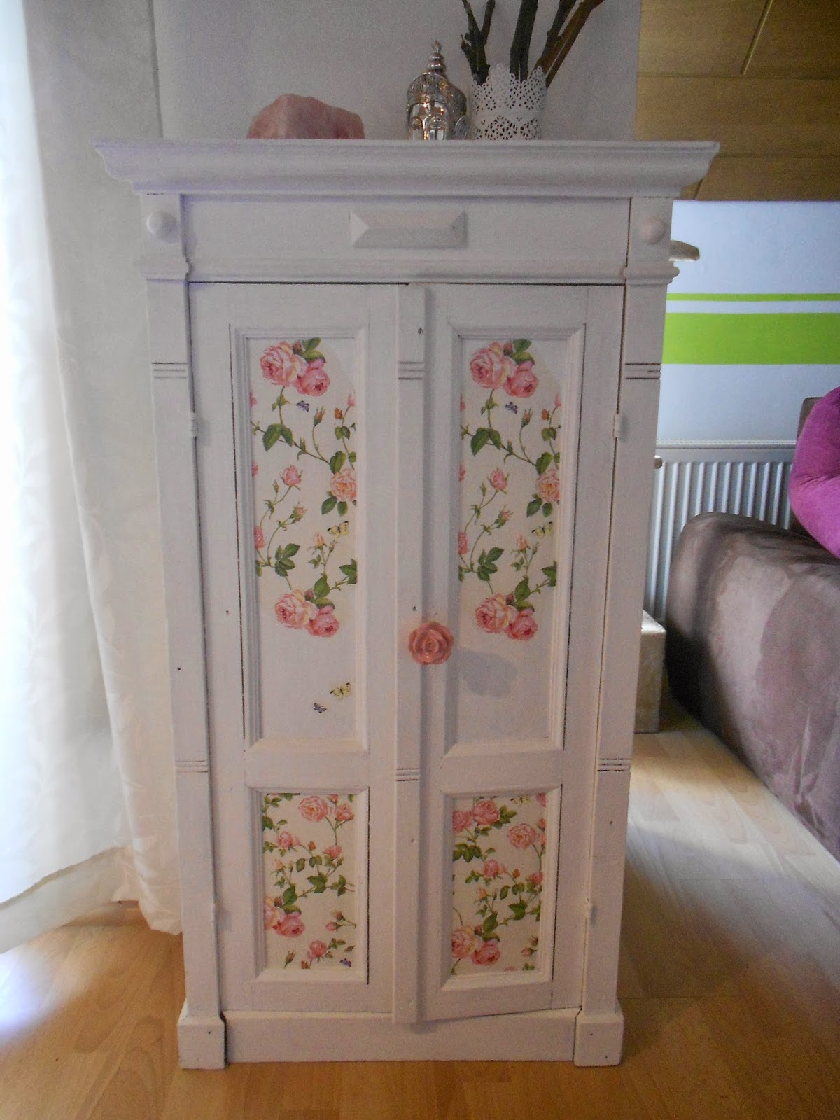 kreavino shabby chic schrank aus alt mach neu. Black Bedroom Furniture Sets. Home Design Ideas