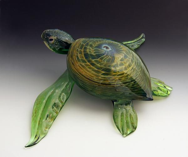07-Green-Rippleback-Turtle-Scott-Bisson-Glass-Sea-and-Land-Animals-www-designstack-co
