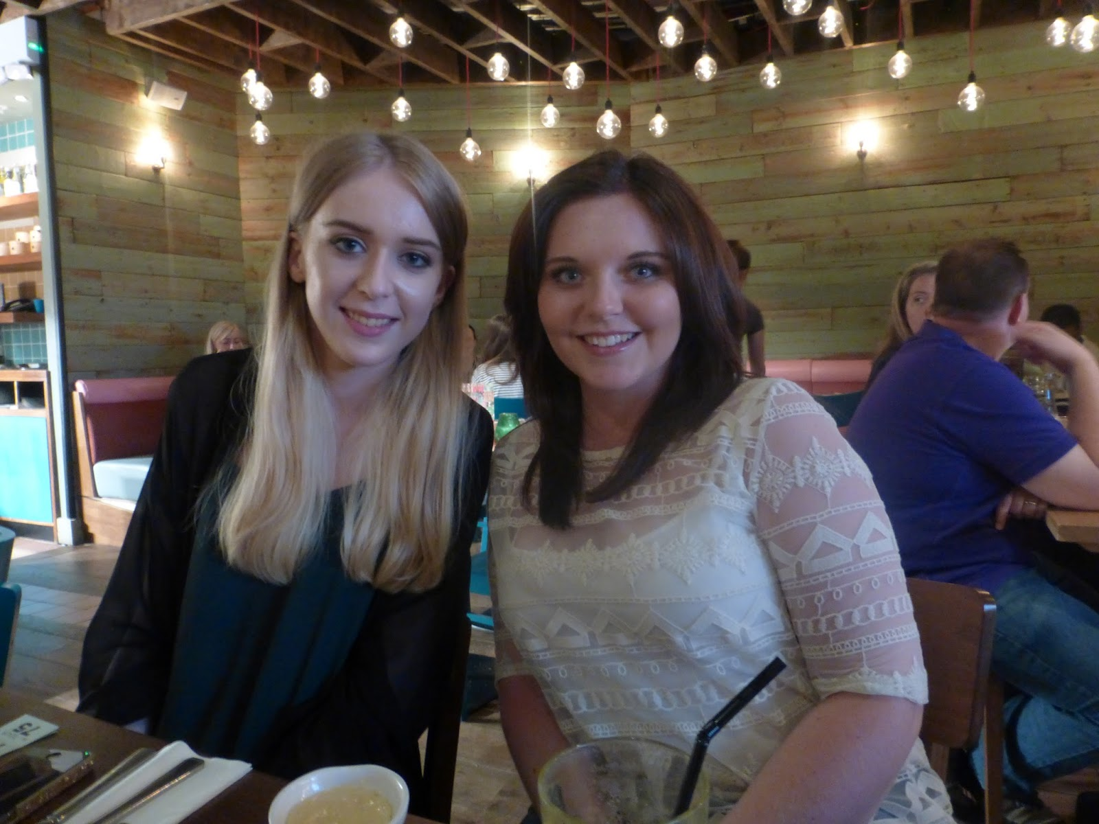 sheffield blogger meetup, las iguanas meadowhall