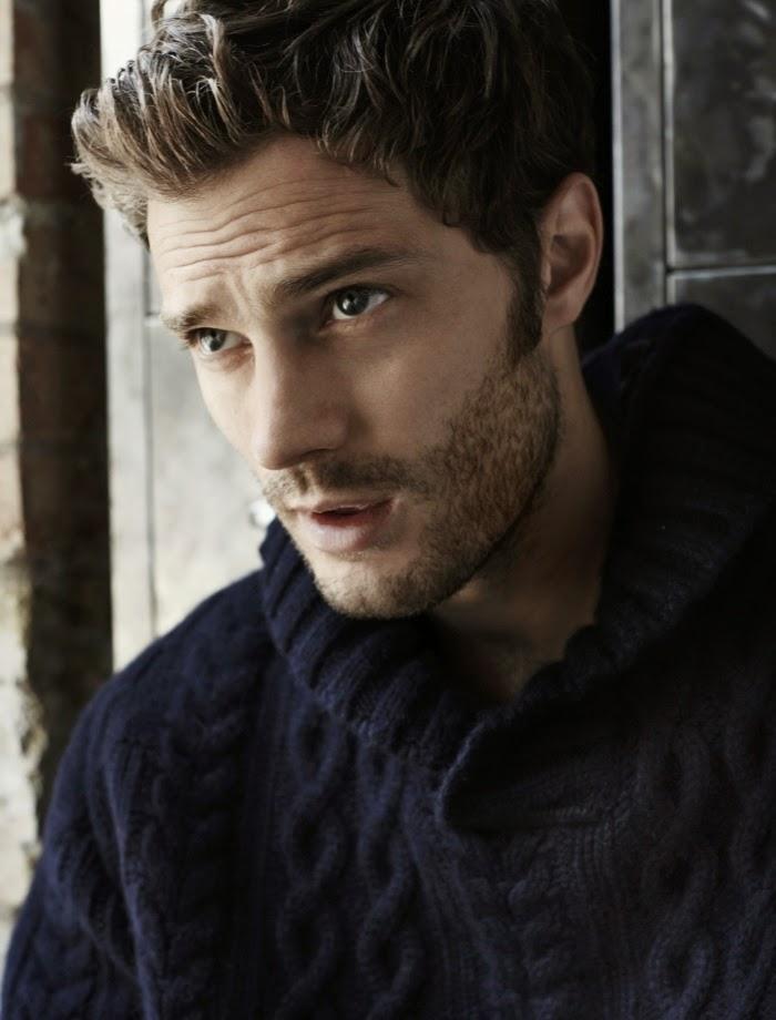 jamie-dornan-grey-cardigan-tricot