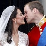 Hot Download Foto Ciuman Kate Middleton Pangeran William saat Pernikahan