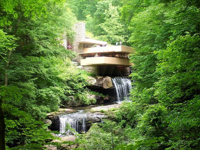 Di qua e di la frank lloyd wright architettura organica for Wright la casa sulla cascata