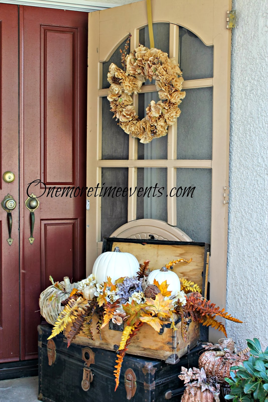 Outdoor Fall Display
