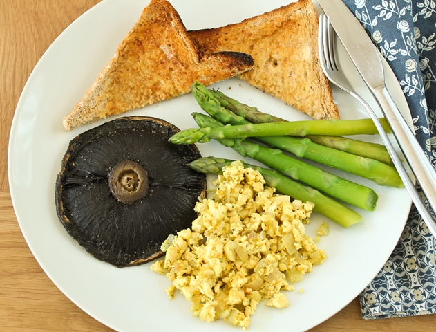 Tofu scramble, portabella mushroom, steamed asparagus and wholemeal ...