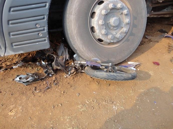 Xe bồn cán nát xe máy biển số Gia Lai, nam thanh niên tử nạn