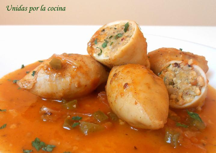 Unidas por la cocina chipirones rellenos en salsa - Chipirones rellenos en salsa de tomate ...
