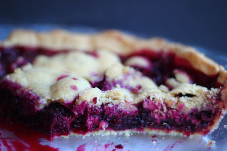 blackberry pie, homemade, organic fruit