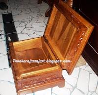 http://tokokerajinanjati.blogspot.com/2013/02/rekal-alquran-box.html