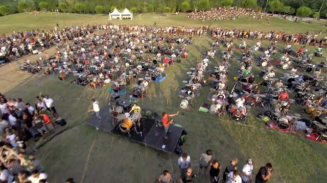 Hundreds of Musicians perform Learn to Fly by Foo Fighters to get the band come to Italy for a concert