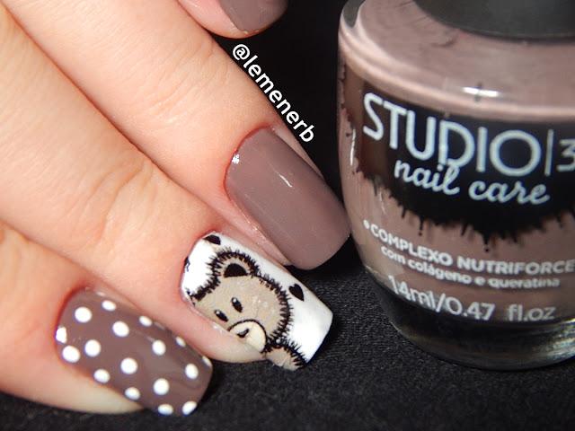 mochino nail art