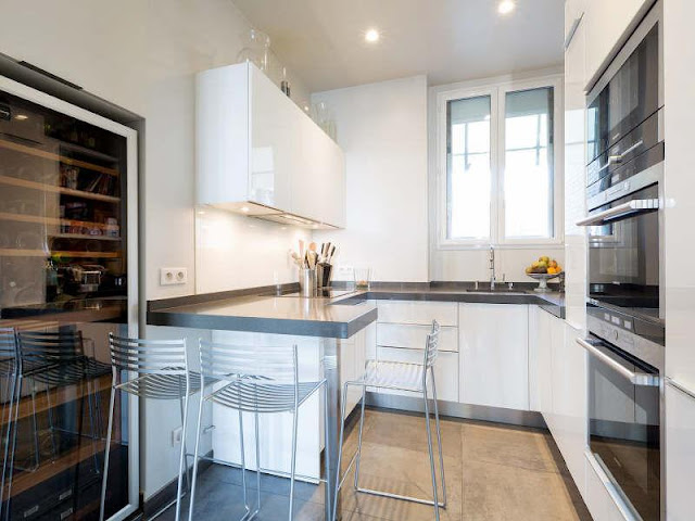 Picture of small white kitchen