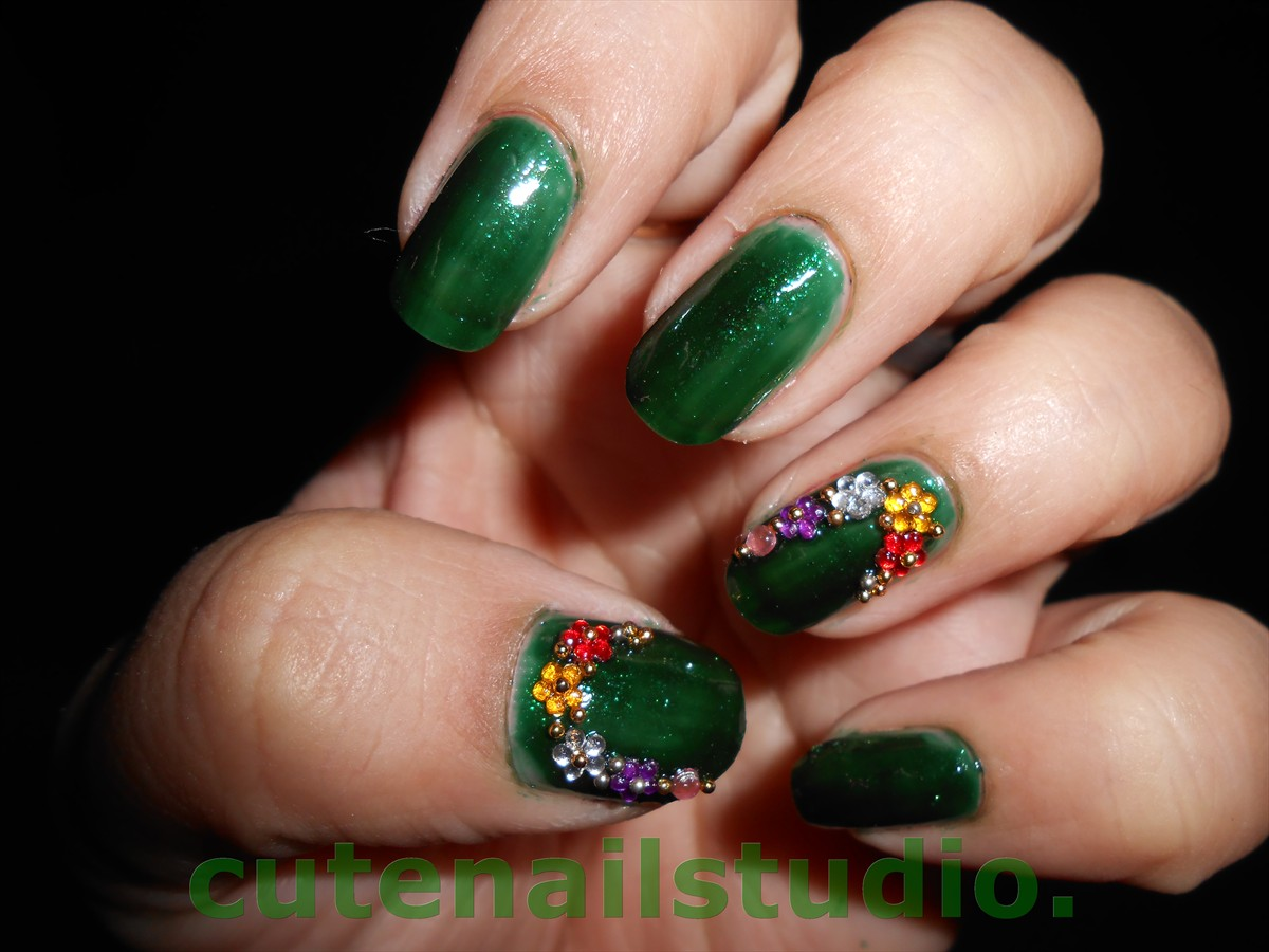 Cute nails: Festive look 6 and Green jewelry Haul