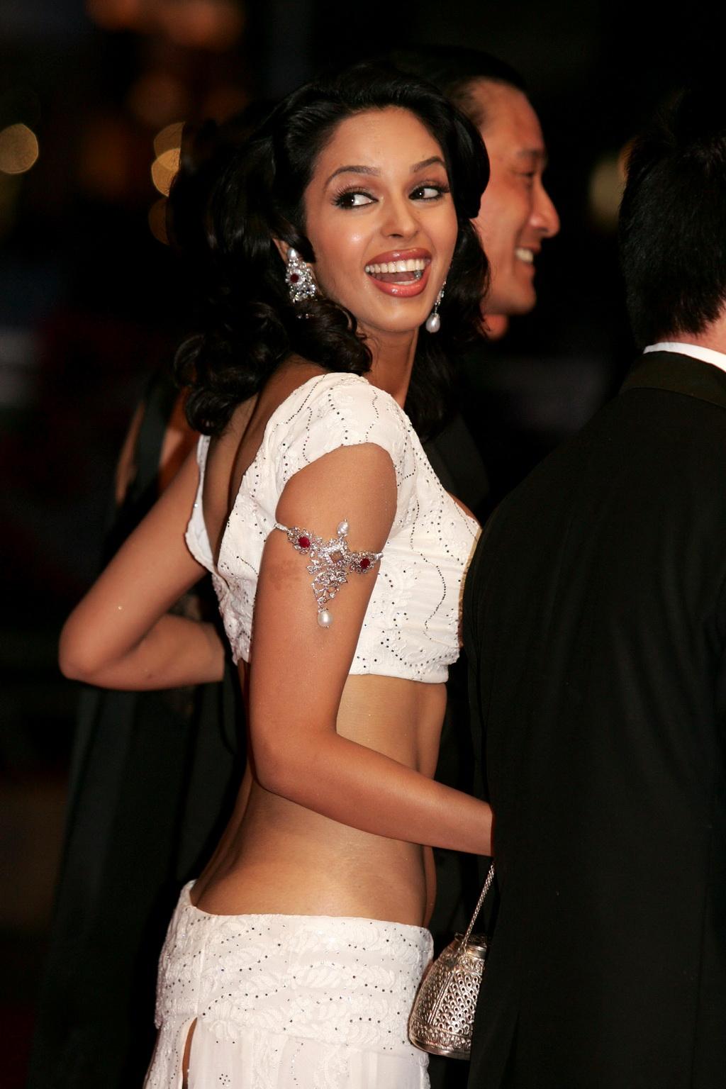 Malika Sherawat Ass 25