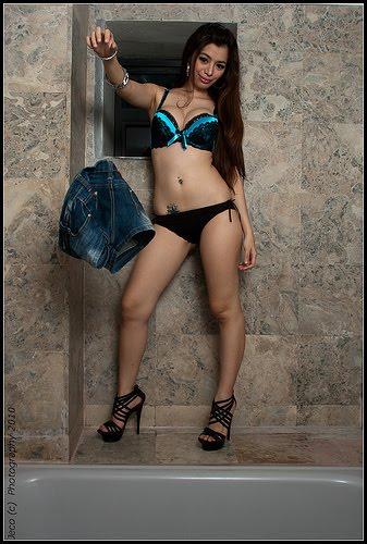 jem milton sexy bikini photos 04
