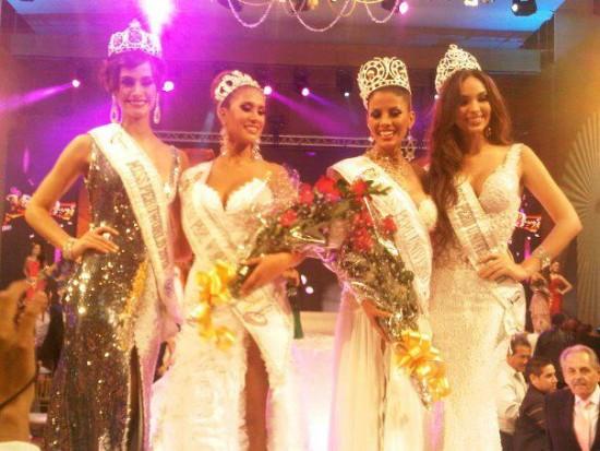 Miss Peru 2012 Cindy Mejia & Melissa Paredes
