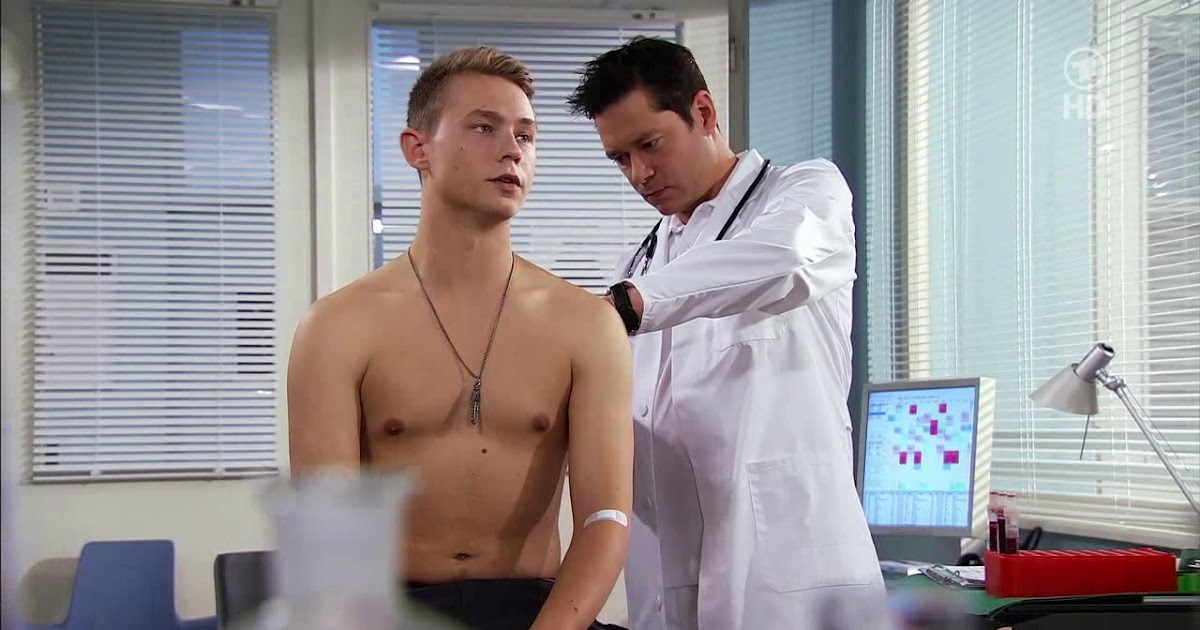 The Stars Come Out To Play: Dennis Mojen - Shirtless in