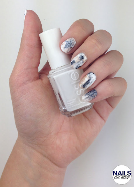 "Essence Studio Nails 24/7 Nail Base -  Essie ""Blanc"" -  P2 ""Eternal"" -  Trend It Up Double Volume & Shine Nail Polish 100 -  Seche Vite Dry Fast Top Coat -  Frischhaltefolie/Saran Wrap"