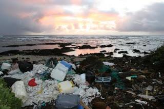 Una isla de basura del tamaño de EU