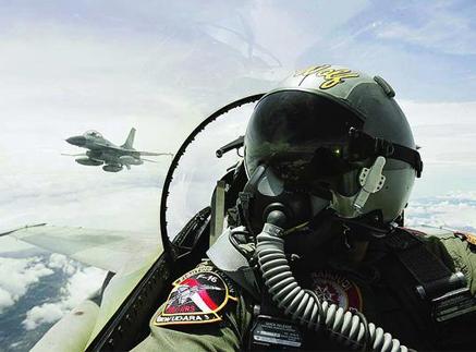 Pilot Tempur Relakan Tak Berpuasa Selama Bertugas
