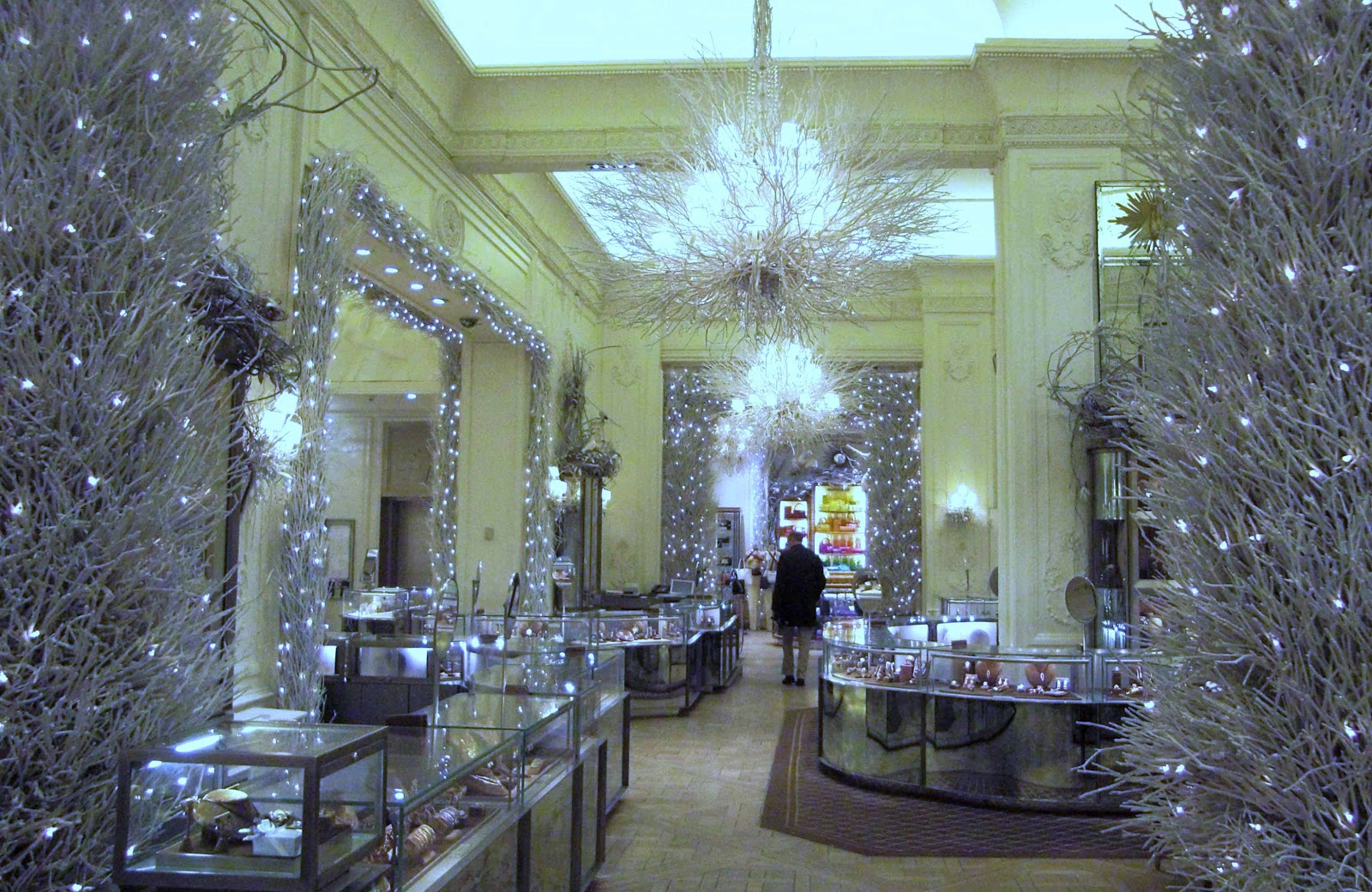 Picture of the Week: Christmas At Bergdorf Goodman
