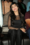 Shruti Haasan at Yevadu App Launch event-thumbnail-18
