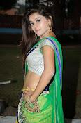 Yamini bhaskar glamorous photos-thumbnail-17