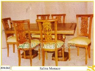 Kursi dan Meja Makan Ukiran Kayu Jati Salina Monaco