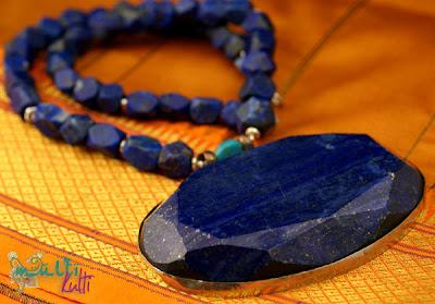 naszyjnik z wielkim lapis lazuli